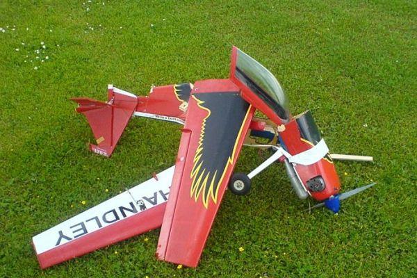 mfi-crash-146C727005-D3D2-8F53-2737-FB1A50412D4B.jpg
