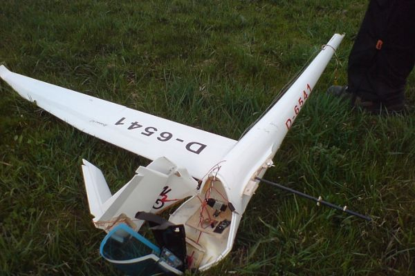 walter-crash-discus5C7F7347B-0C35-4140-7788-47C0D42112EE.jpg